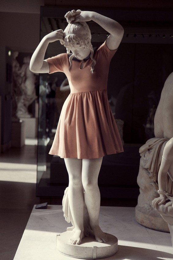 classical-sculptures-hipsters 4